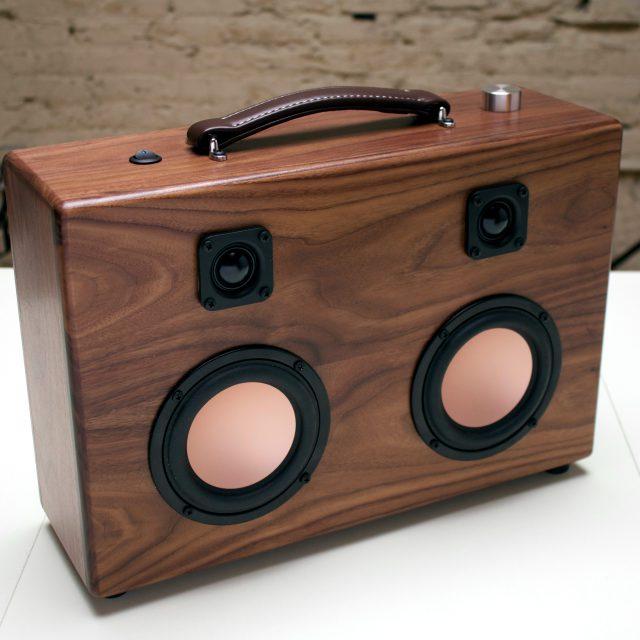 The Hifi Case - Walnut Speaker