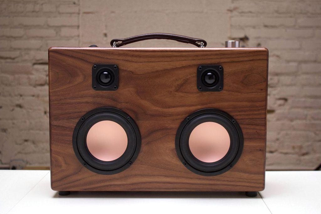 04-the-hifi-case-modern-boombox4