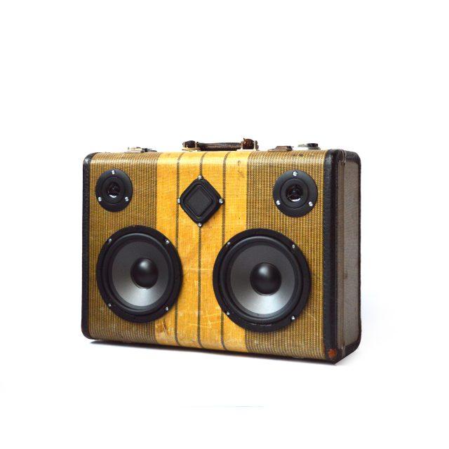 HiFi-Case-Modern-Airheart-angle